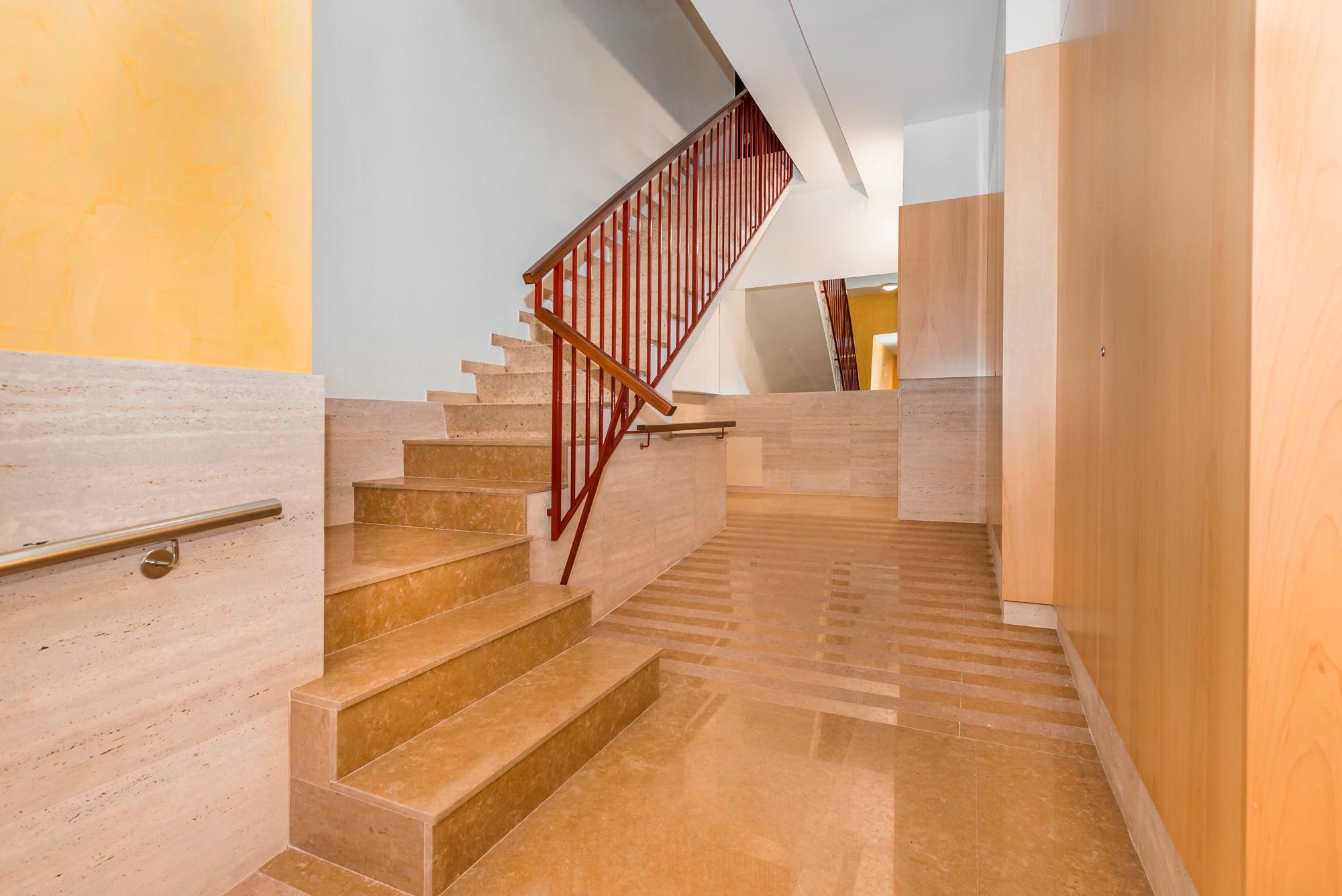ARQUETICA - escalera edificio Josep Tarradellas 13